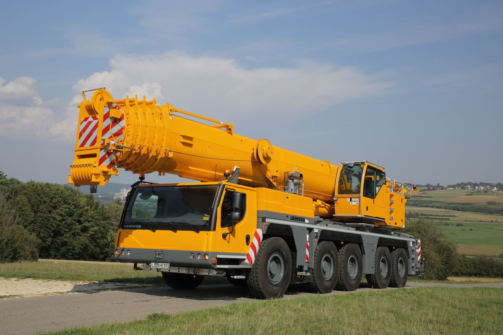 A crane similar to this one was involved in the incident