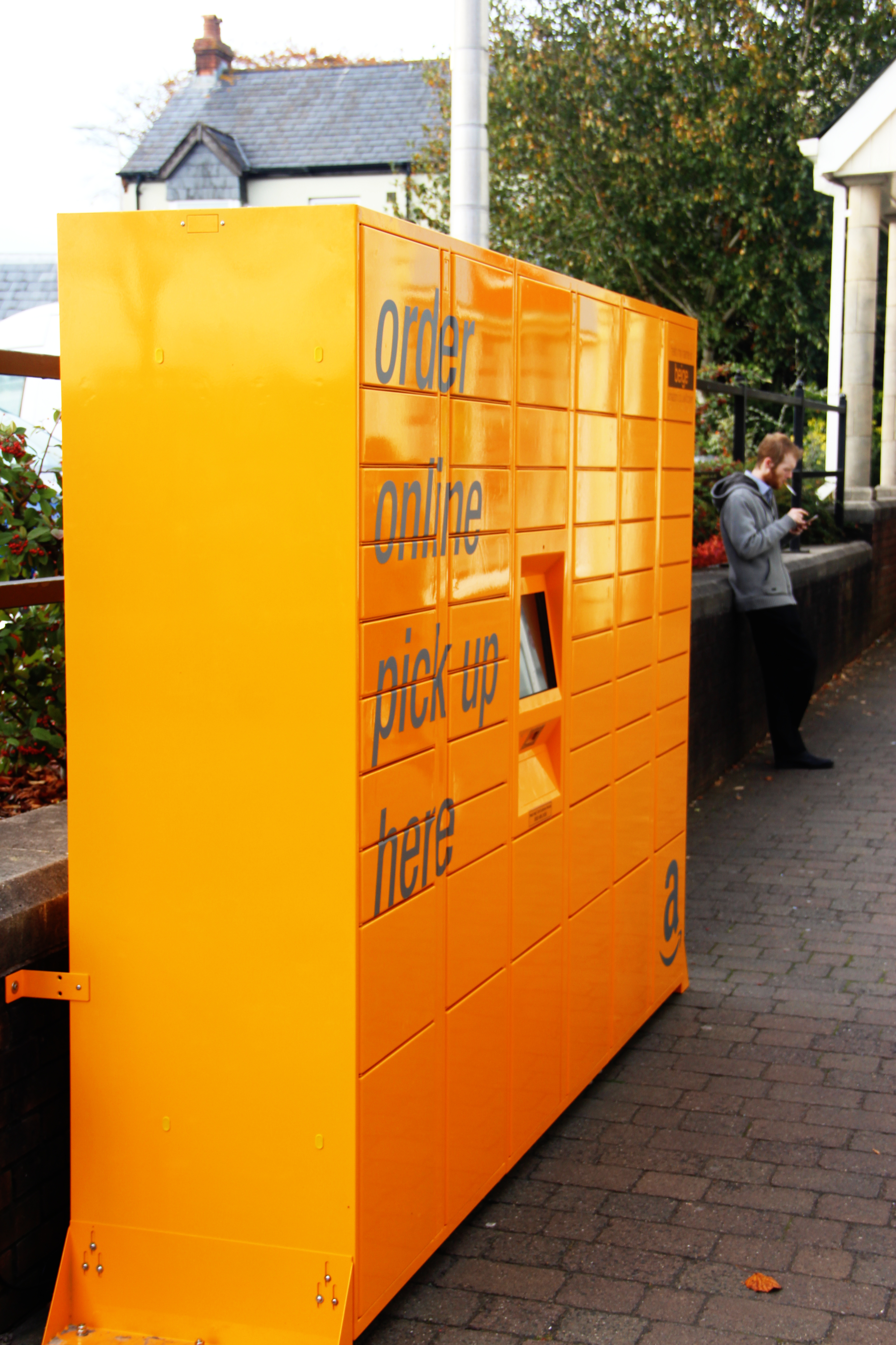 amazon lockers pop up in town centre the llanelli herald. Black Bedroom Furniture Sets. Home Design Ideas